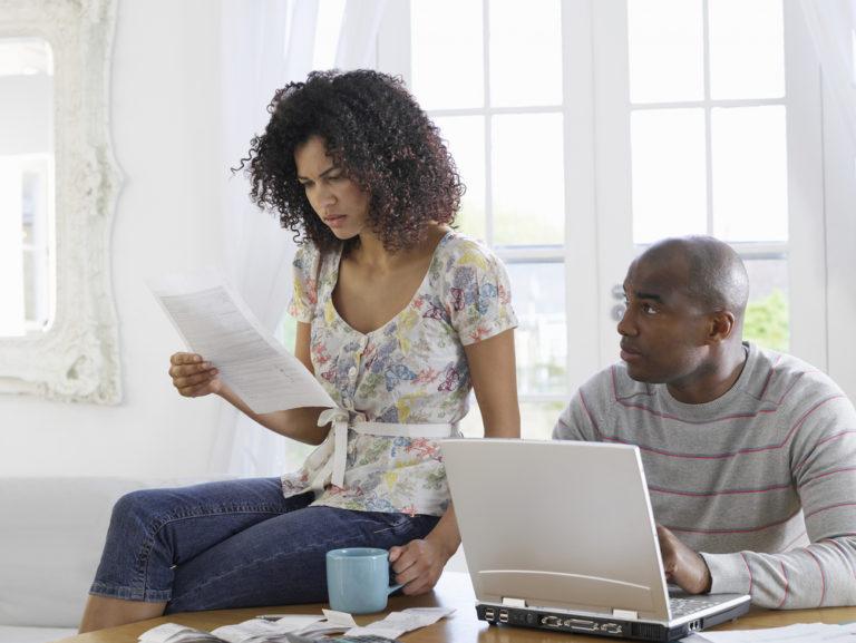 Devriez vous utiliser les entreprises de consolidation de dettes